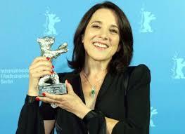 Ours d'argent de la meilleure actrice au festival de Berlin 2013.
